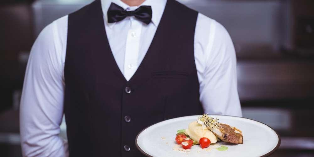 Italian Restaurant Owner Suing Waiter for Writing Homophobic Slur On Gay Customers' Bill