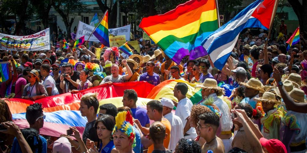 Nova Constituição cubana pode permitir casamento homoafetivo