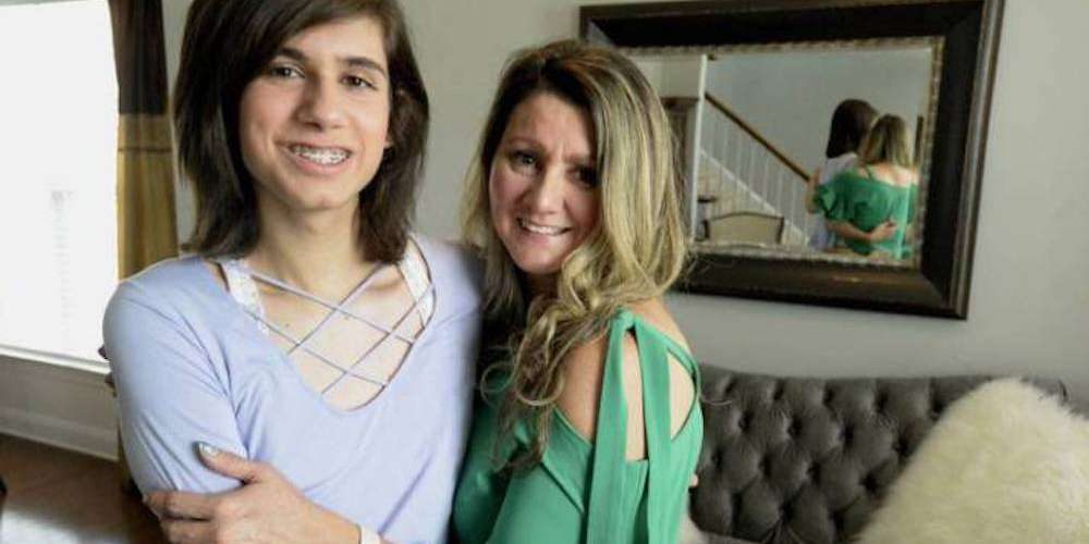 Church Insists Teen Wasn't Denied Communion Because She's Trans, But Because She Was Chewing Gum