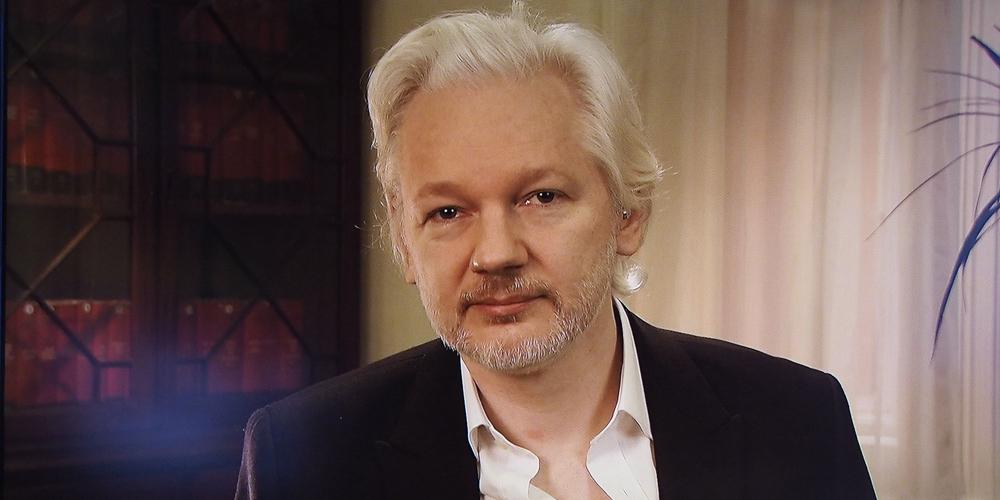 นักเขียนแปลงเพศเผยแพร่ 11,000 ข้อความสนทนาระหว่าง WikiLeaks กับผู้สนับสนุนทรัมป์
