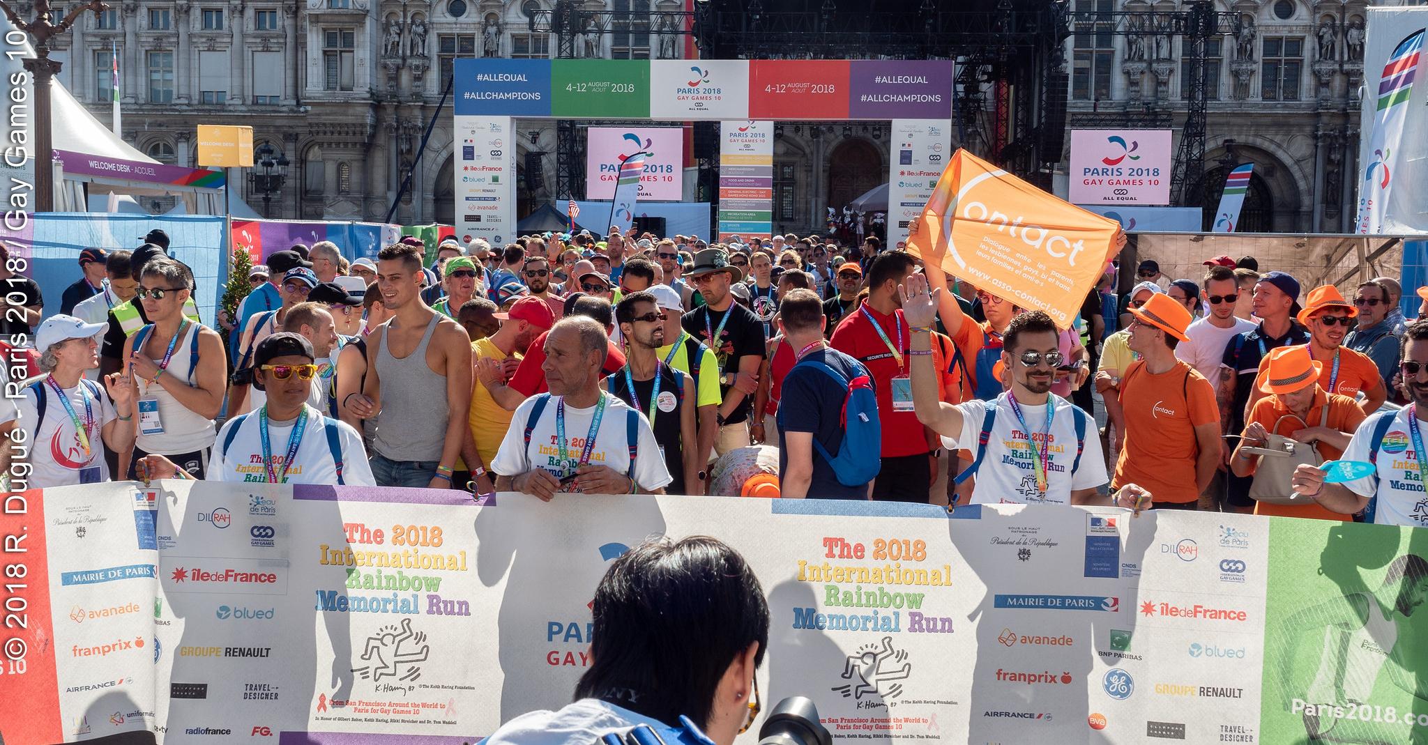 Gay Games 10, Jour 2: Un petit tour au(x) village(s)