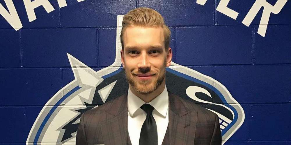 This Pro Hockey Player Warns About Losing the Next Wayne Gretzky to Homophobia