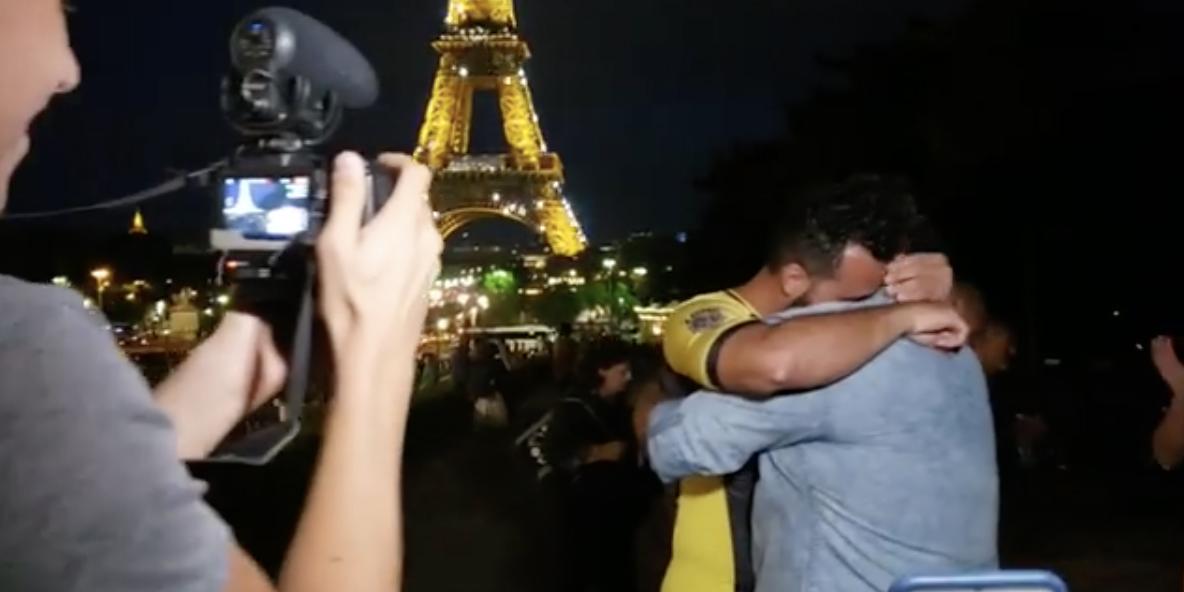 Aux Gay Games, une belle demande en mariage devant la Tour Eiffel