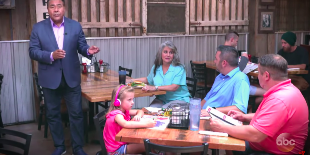 An Entire Restaurant Came to the Rescue of a Gay Couple Attacked For 'Depriving' Their Child of a Mother