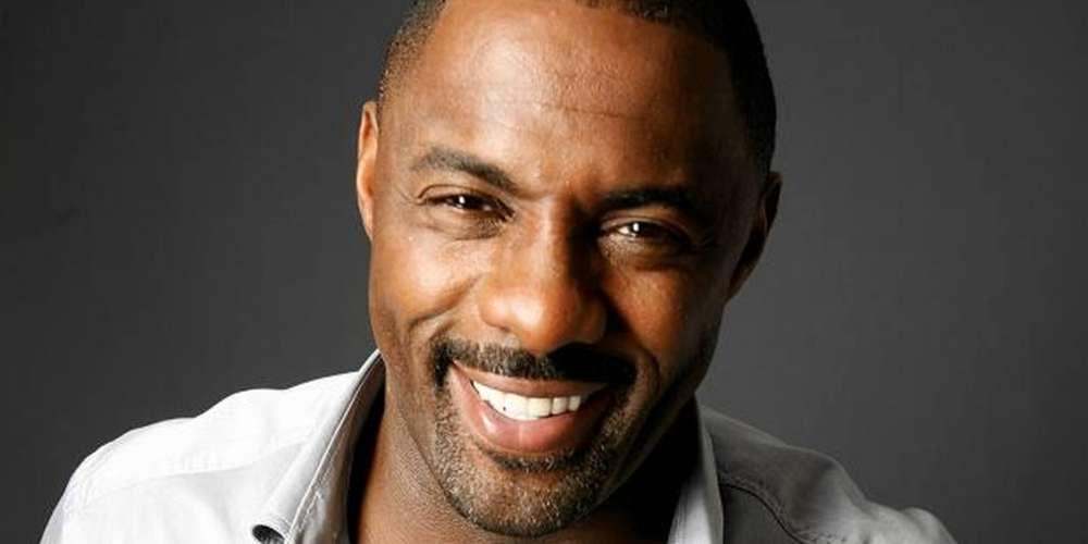 Idris Elba ปกป้องนักแสดงธรรมดาที่เล่นบทเพศทางเลือกว่าเป็น'สิทธิศิลป์'