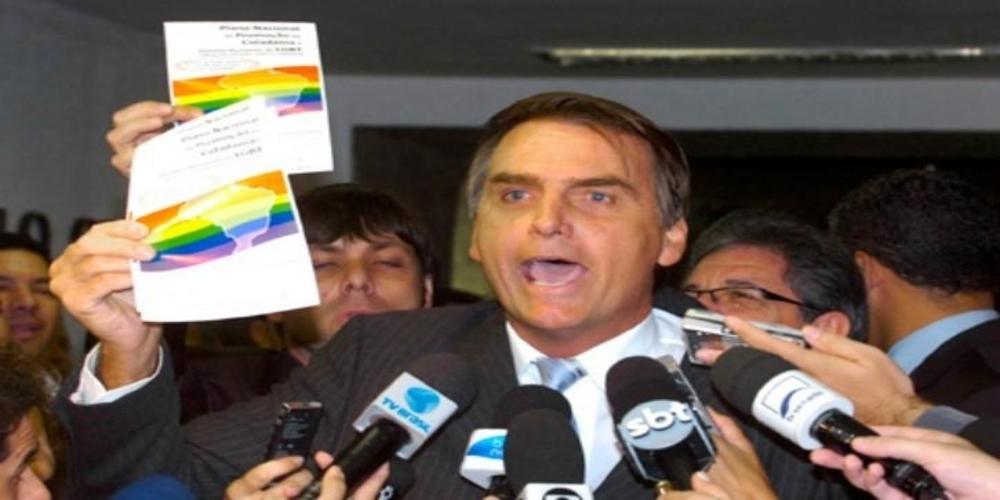 Ativistas LGBTs criam grupo no Facebook contra Bolsonaro após sucesso de grupo de mulheres