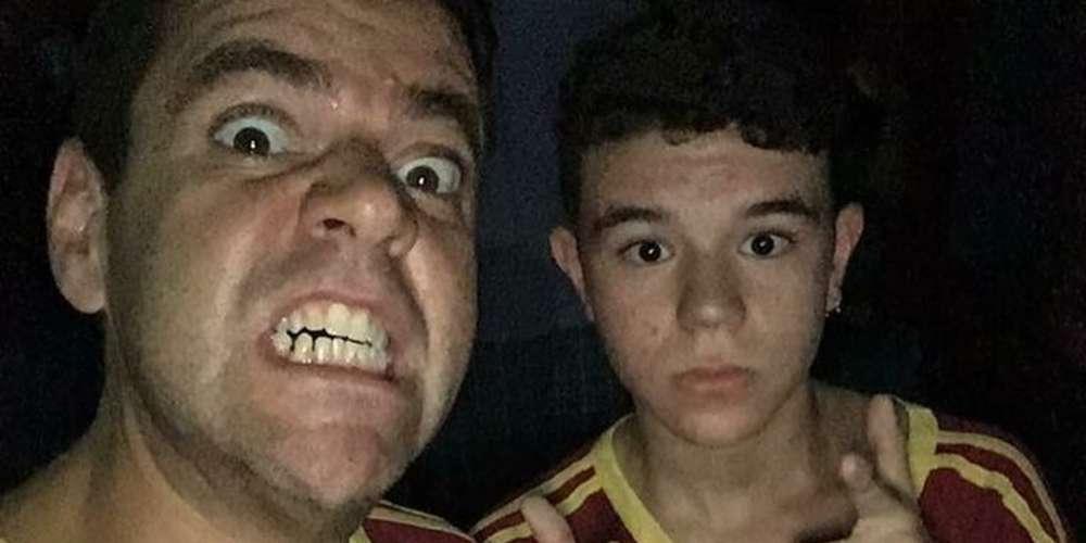 Pai defende filho gay que saiu em passeata contra Bolsonaro e viraliza na web