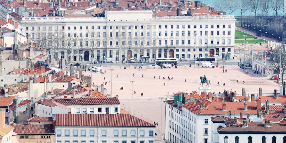 Agression homophobe à Lyon: la police refuse de se déplacer