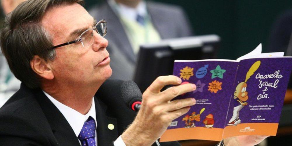 TSE determina remoção de vídeos de Bolsonaro falando sobre falso kit gay na internet
