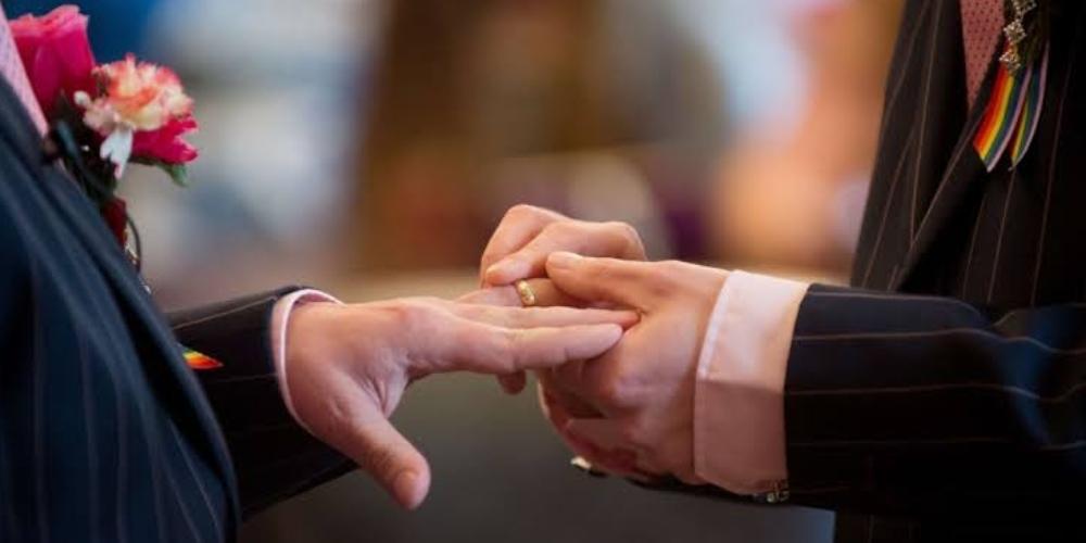Revista de casamento se recusa a retratar casais homoafetivos e fecha