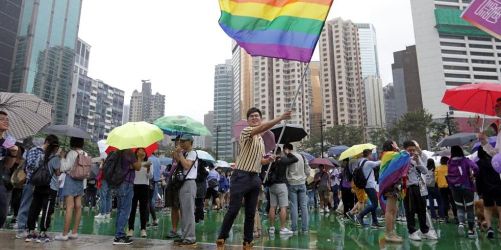 Escritora chinesa é condenada por publicar livro erótico gay