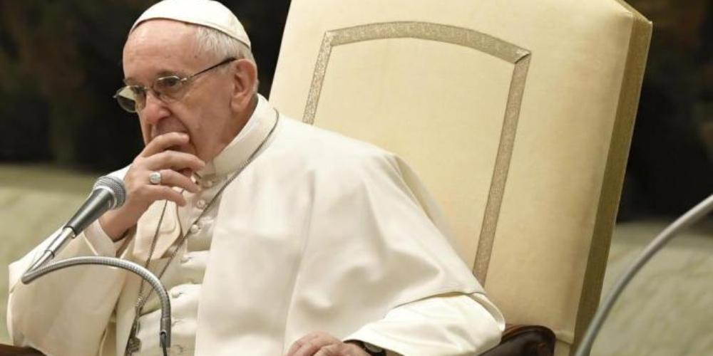 Moda da homossexualidade no clero é a nova preocupação do Papa
