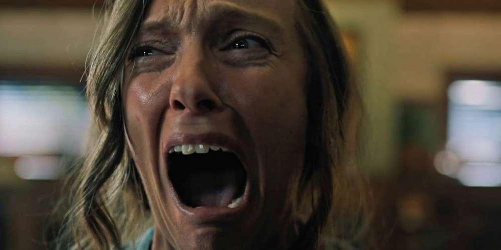 Як ви думаєте, чим пахне свічка з ароматом фільму жахів?