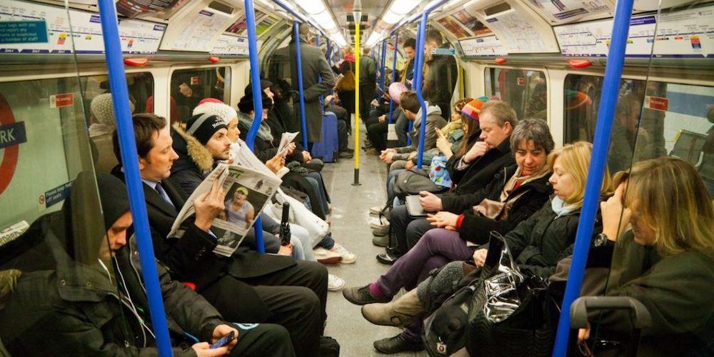 Ils plaident coupable de relation sexuelle dans le métro londonien