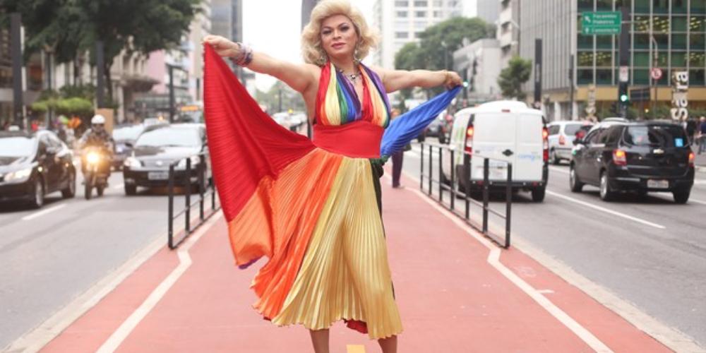 Salete Campari agita pré-carnaval em seu trio elétrico em São Paulo