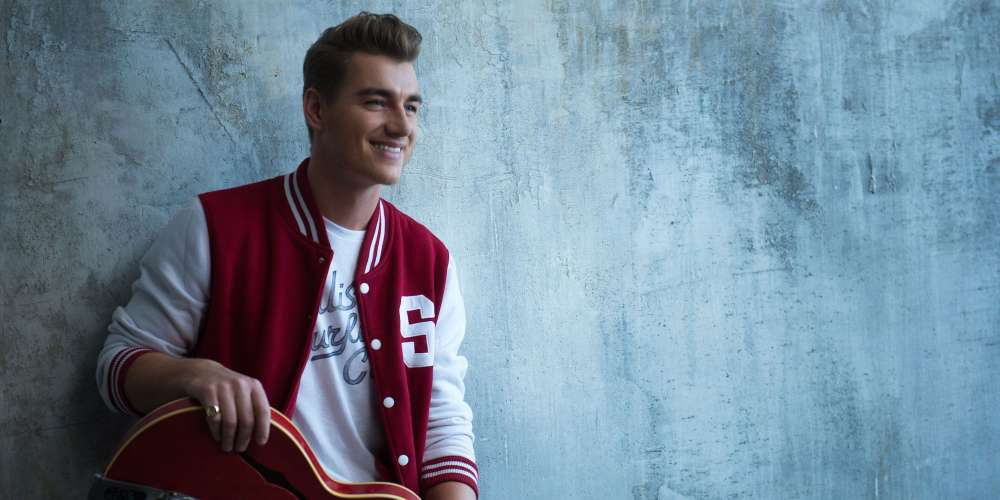 Russian Actor-Dancer-Singer Alex Sparrow Has an Anti-Bullying Message for You
