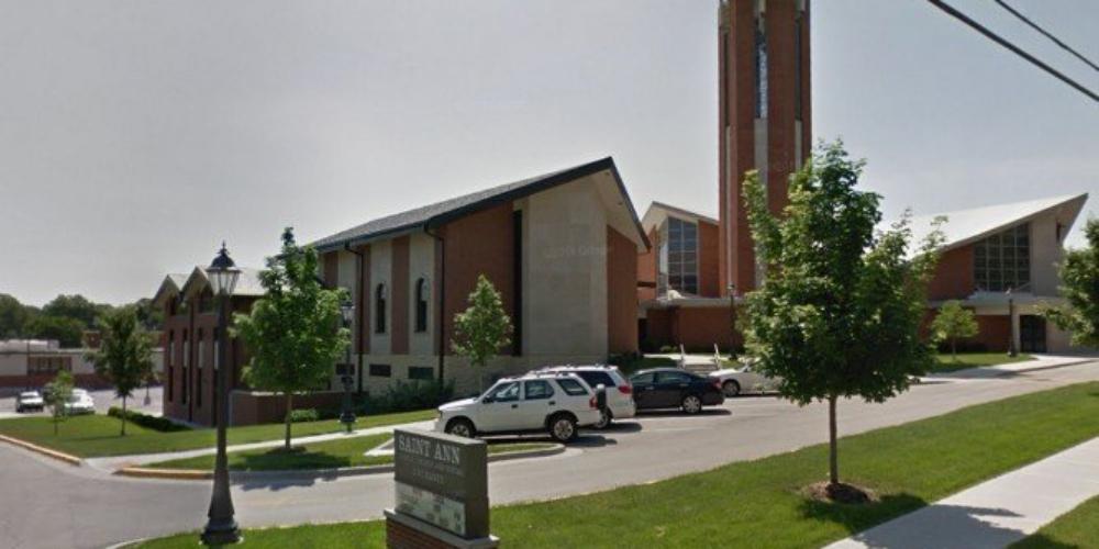 Escola católica americana se recusa a matricular criança filha de casal homossexual