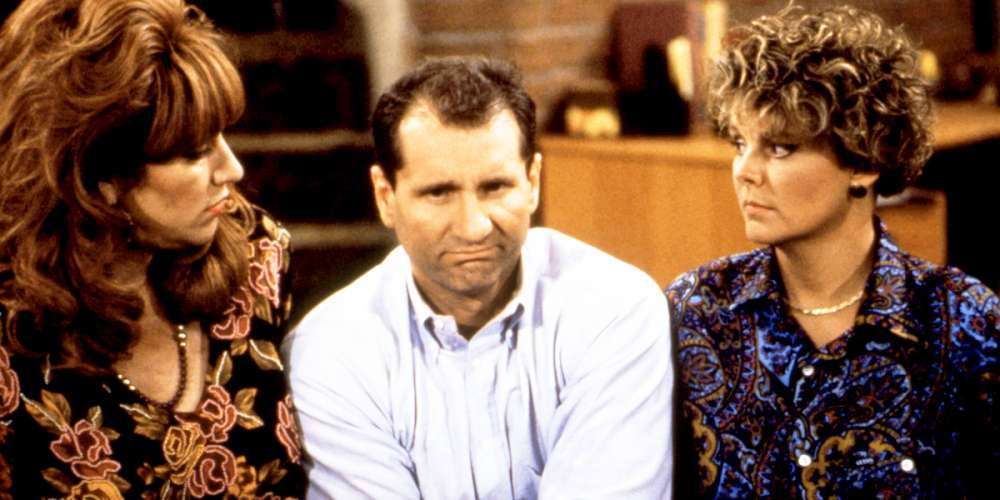 The Gayest Episode of 'Married… With Children' Introduced Marcy's Lesbian Lookalike Cousin