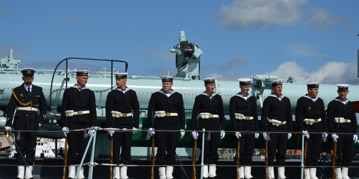 Harcèlement homophobe dans la Marine: SOS Homophobie fait bouger le ministère