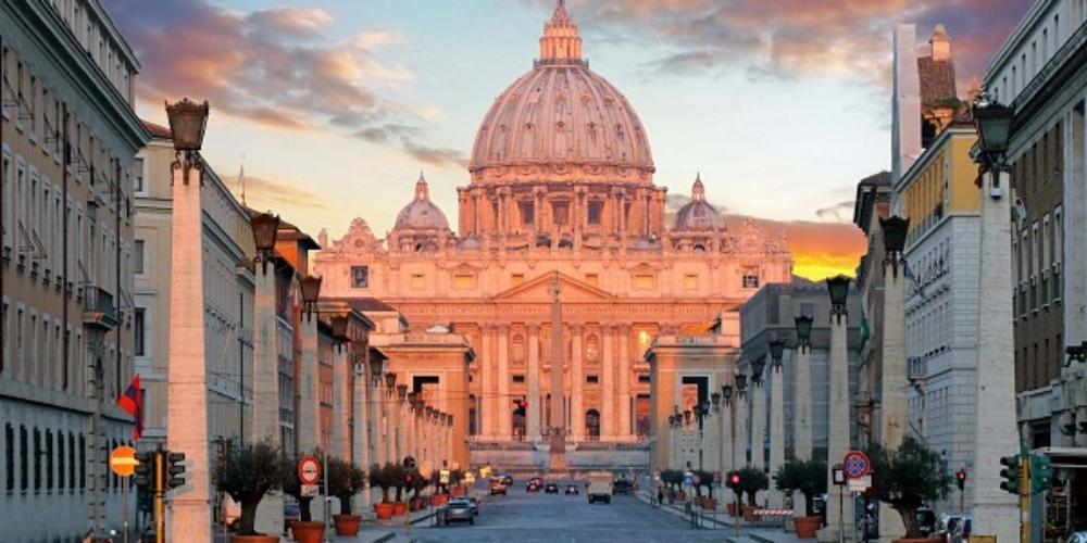 Livro escancara orgias gays no Vaticano e afirma que maior parte dos cardeais é gay