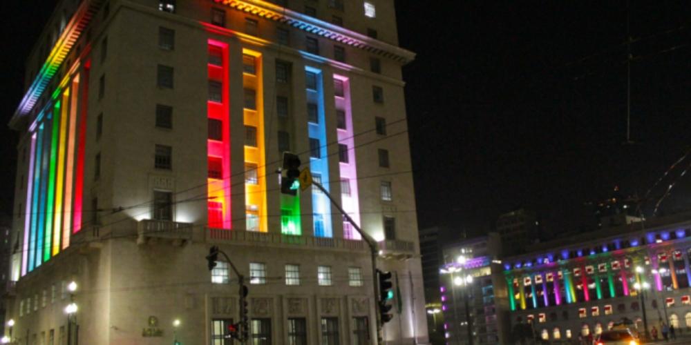 São Paulo ilumina cidade com cores LGBT para Conferência Internacional da Diversidade e Turismo