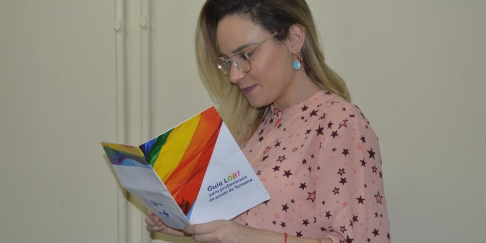FMS lança guia com leis e endereços de rede de proteção a LGBTs