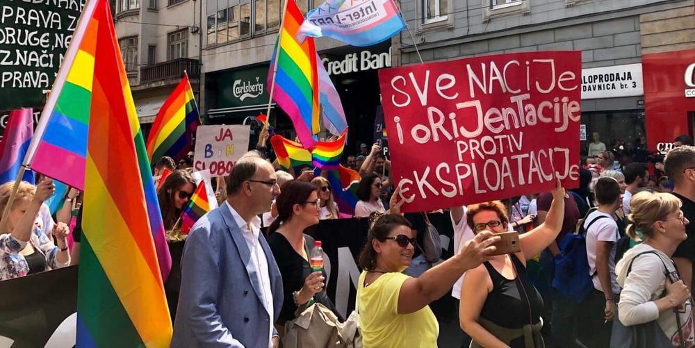 Plus de 2000 manifestant.e.s à la première Pride de Sarajevo