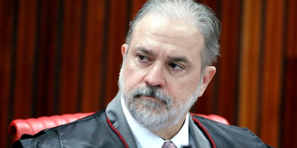 Augusto Aras, indicado de Bolsonaro à PGR, assina termo contra casamento gay