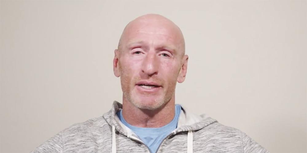 Victime de chantage, l'ex rugbyman Gareth Thomas révèle sa séropositivité