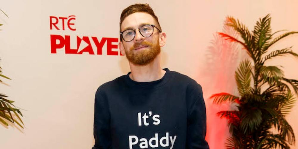 Paddy Smyth, gay com paralisia cerebral, vence reality show britânico