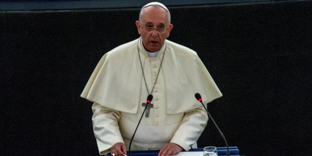Le Pape compare les discriminations anti-LGBT au nazisme