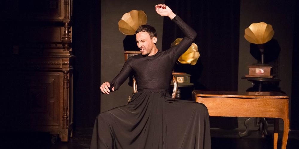 «Ich bin Charlotte»: Un seul en scène virtuose sur la vie incroyable d'une icône méconnue