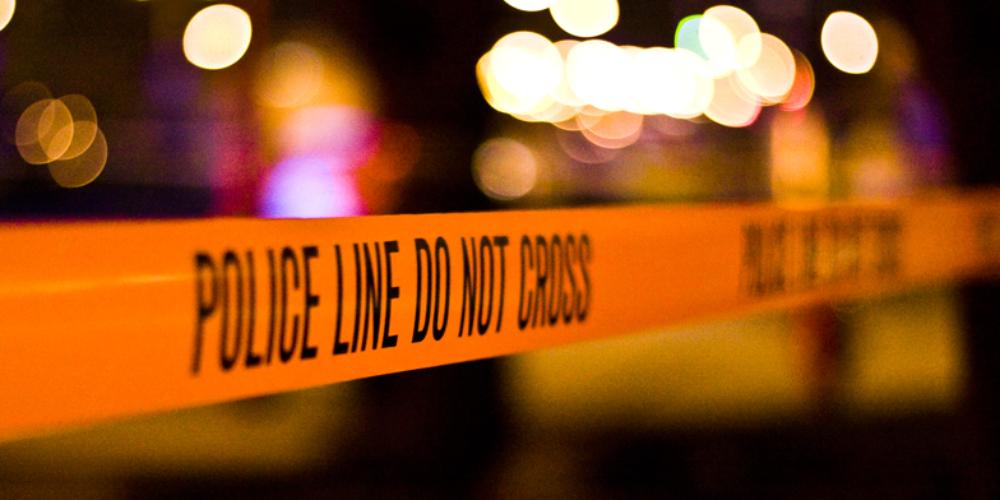 Casal gay baleado em Miami após beijo sobrevive, mas uma está estado crítico