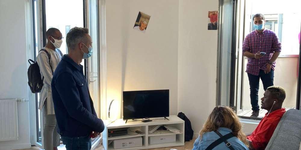 La ville de Paris et l'association Basiliade inaugurent un logement en colocation pour 3 réfugié.e.s LGBT