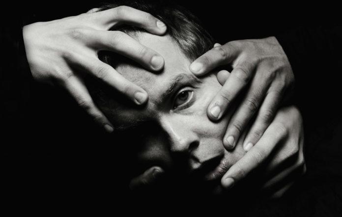 Entre pop atmosphérique et beats électro, Jónsi est de retour avec «Shiver»