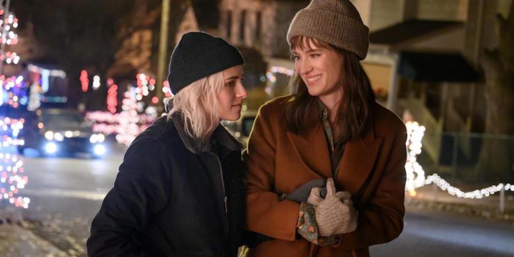 Part-Screwball, Part-Schmaltz, 'Happiest Season' Puts the 'LGBTQ' Back in Christmas