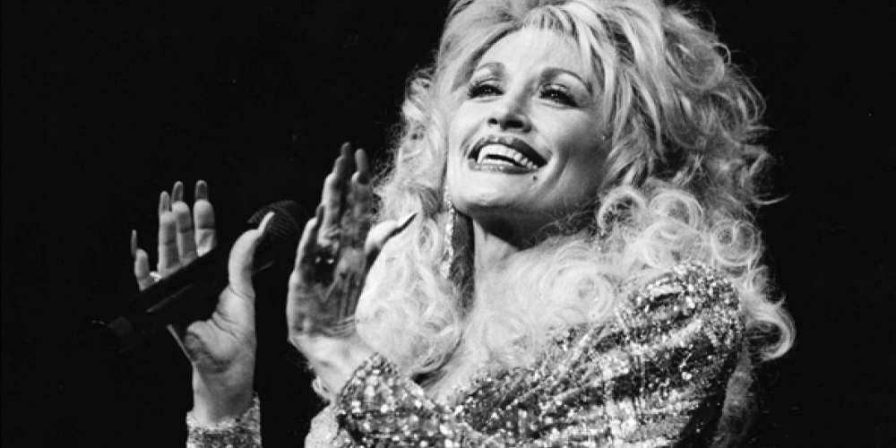 Dolly Parton Keeps Rejecting the Presidential Medal of Freedom