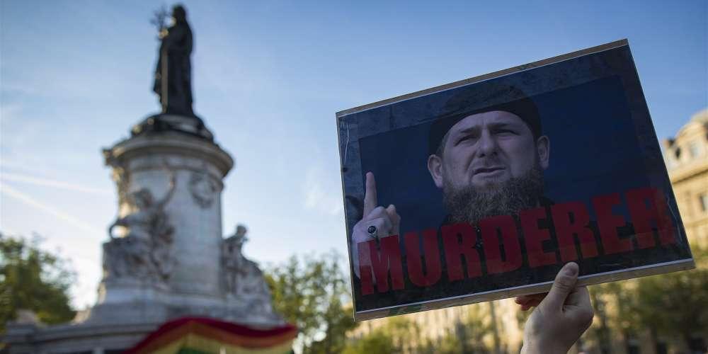 2 гея, сбежавшие из Чечни, были похищены и насильно возвращены обратно