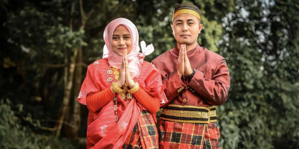 The Bugis People of Indonesia Recognize Five Genders, Expanding the Traditional Western Framework